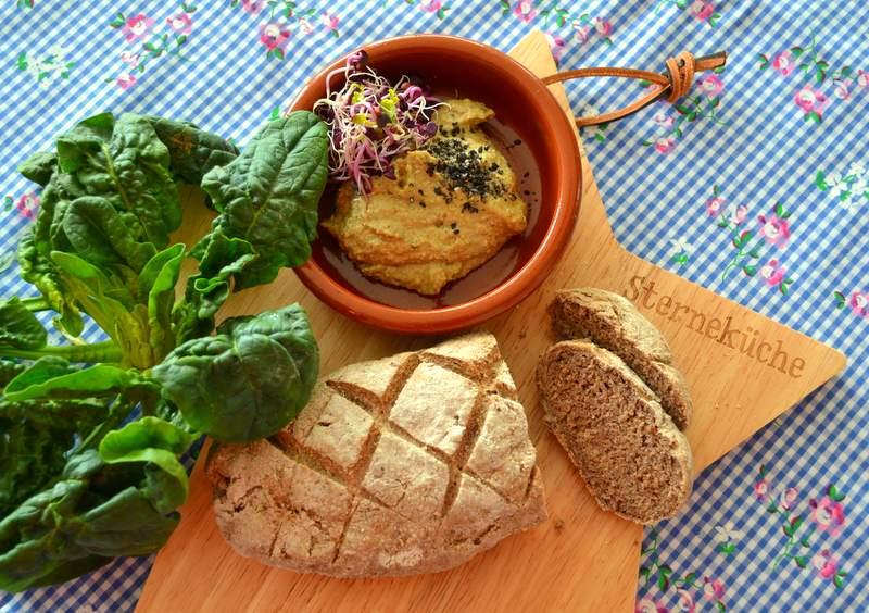 Dinkel-Quinoa-Brot Humus II