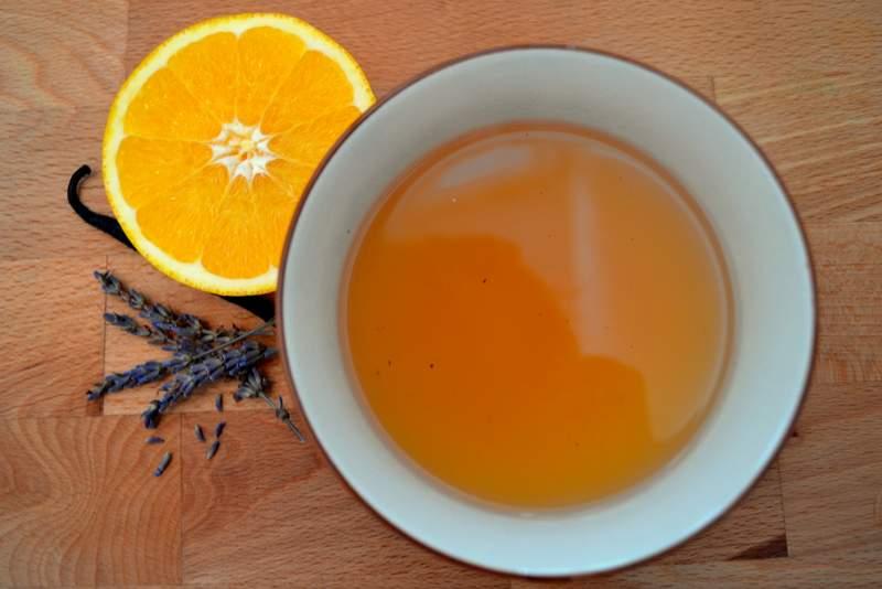 Lavendelblüten-Orangen-Punch